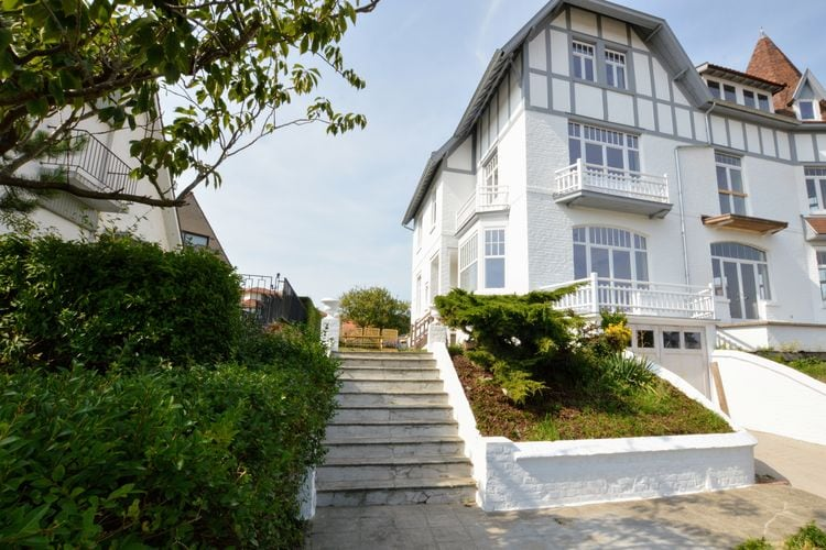 Karakteristieke en charmante villa op loopstand van het strand en centrum