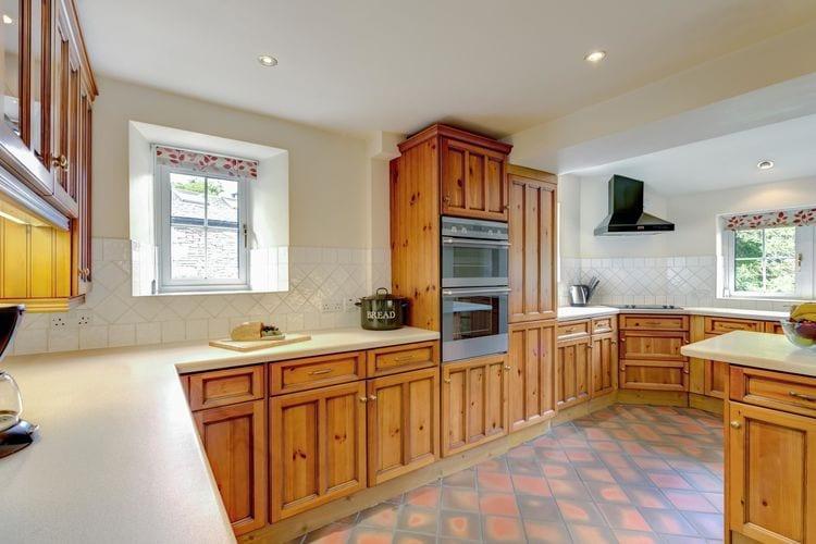 Ref: GB-00006-17 5 Bedrooms Price