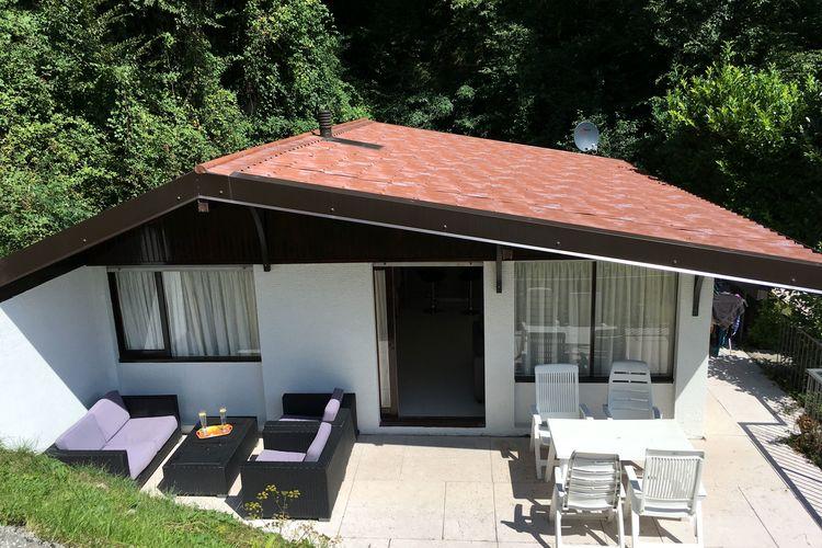 Bungalow met zwembad met wifi  Italiaanse MerenSunclass Huis B42