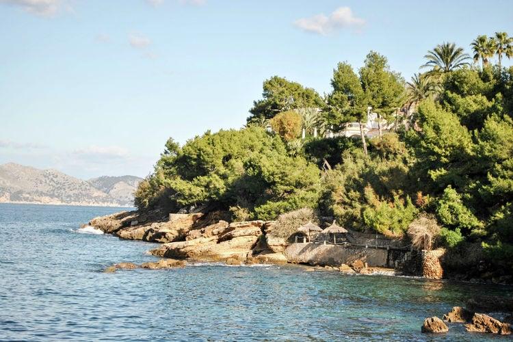 luxe 10 persoons villa met privé zwembad en zeezicht over de baai van Pollensa