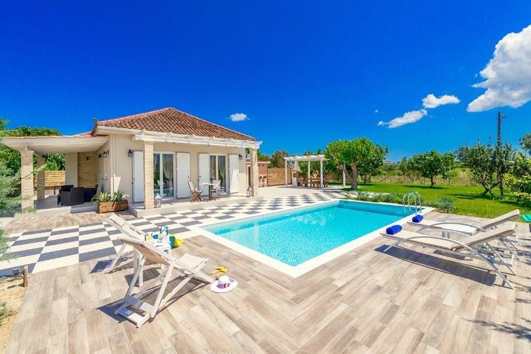 Villa met zwembad met wifi  Vanato  Villa Vigneto