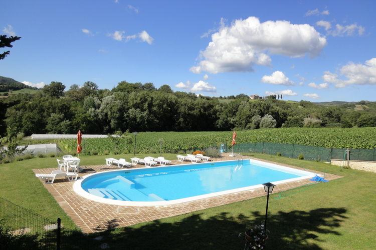 Vakantiehuizen Italie | Umbrie | Boerderij te huur in Citta-di-Castello met zwembad  met wifi 3 personen