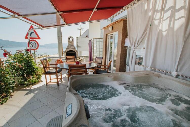 vakantiehuis Kroatië, eld, Trogir - Arbanija vakantiehuis HR-21224-07