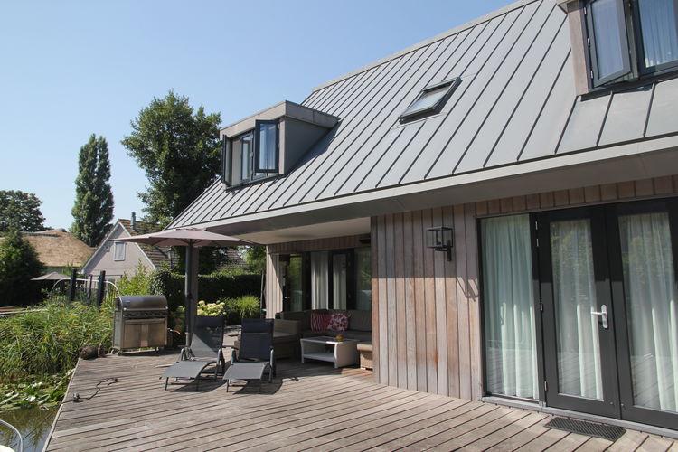 Villa huren in Loosdrecht -   met wifi  voor 6 personen  Beleef het ultieme vakantiegevoel ..