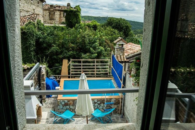 Istrie Vakantiewoningen te huur Authentiek gerestaureerd Istrisch huis, leuk terras met zwembad en BBQ