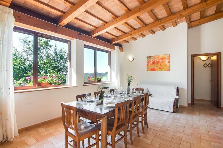 Boerderij Italië, Marche, Apecchio Boerderij IT-00025-42