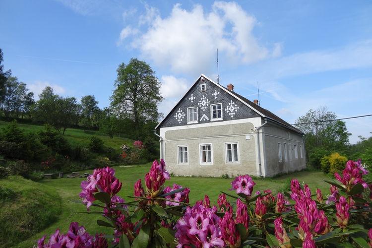 Brníky Vakantiewoningen te huur Groot, vrijstaand huis met grote omheinde tuin, rustige ligging