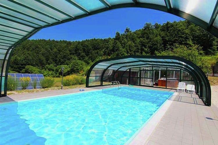 Marche Boerderijen te huur Agriturismo in de Appennijnen met overdekt zwembad en jacuzzi