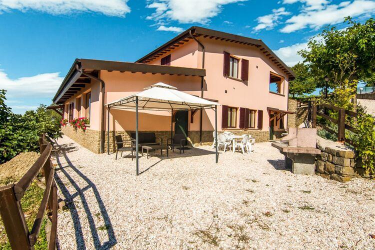 Vakantiehuizen Italie | Marche | Boerderij te huur in Apecchio met zwembad  met wifi 4 personen