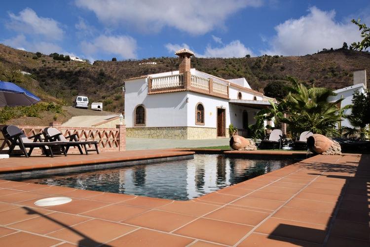 Vakantiehuis met zwembad met wifi  Arenas  Fuente Pintá