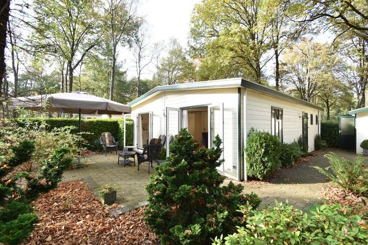 Chalet huren in Gelderland -   met wifi  voor 4 personen  Gezellig huisje in de mooie bossen..