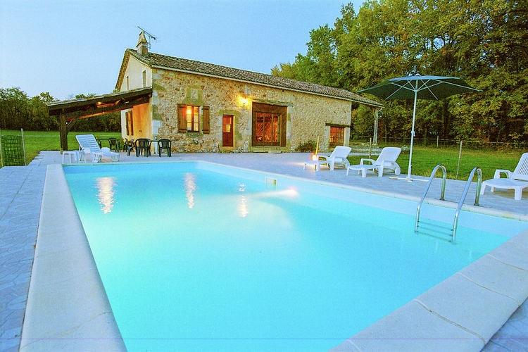 Vakantiehuis met zwembad met wifi  DordogneMaison dans les bois