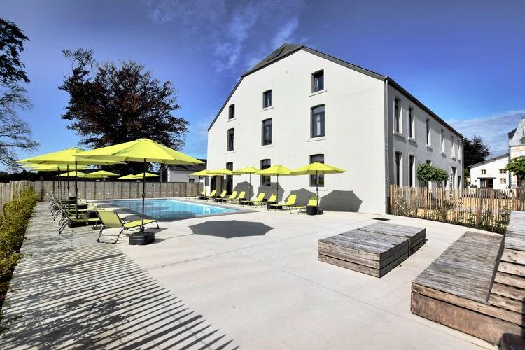 Vakantiehuis met zwembad met wifi  Sainte-CecileLa grémille 29 personnes