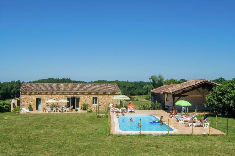 Vakantiehuis met zwembad met wifi  DordogneMaison au milieu des champs avec piscine