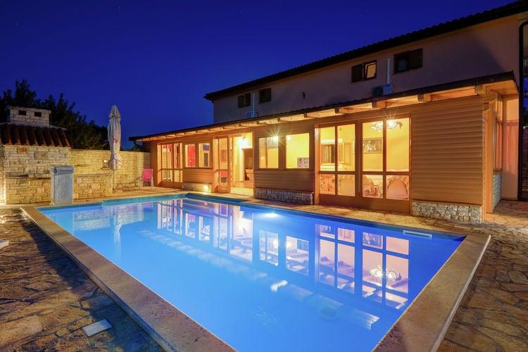 Kroatie | Istrie | Vakantiehuis te huur in Barbariga-Betiga met zwembad  met wifi 15 personen