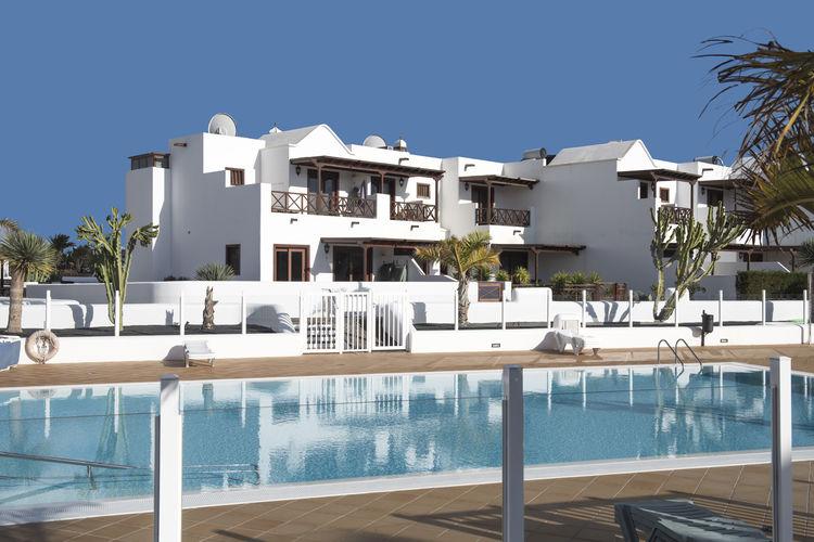 Vakantiewoning met zwembad met wifi  Playa Blanca  Comfortabel vakantiehuis op steenworp afstand van zee en Marina Rubicon