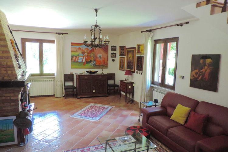 Ref: IT-00060-14 4 Bedrooms Price