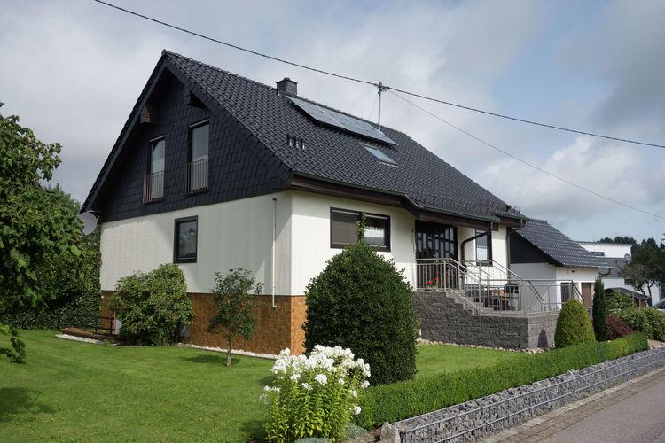 Saarland Vakantiewoningen te huur Comfortabele woning in heuvelachtige gebied met prachtig uitzicht en privetuin