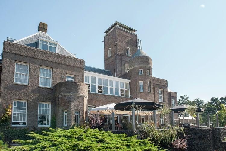 Bergen-aan-zee Vakantiewoningen te huur Uniek gelegen studio op groot landgoed in Bergen aan Zee met eigen balkon