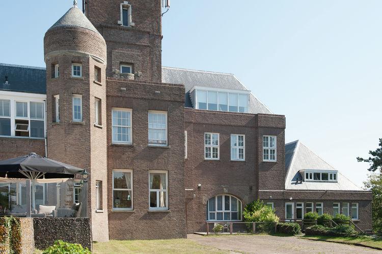 Bergen-aan-zee Vakantiewoningen te huur Knus appartement op groot landgoed met balkon met uitzicht op Bergen aan Zee