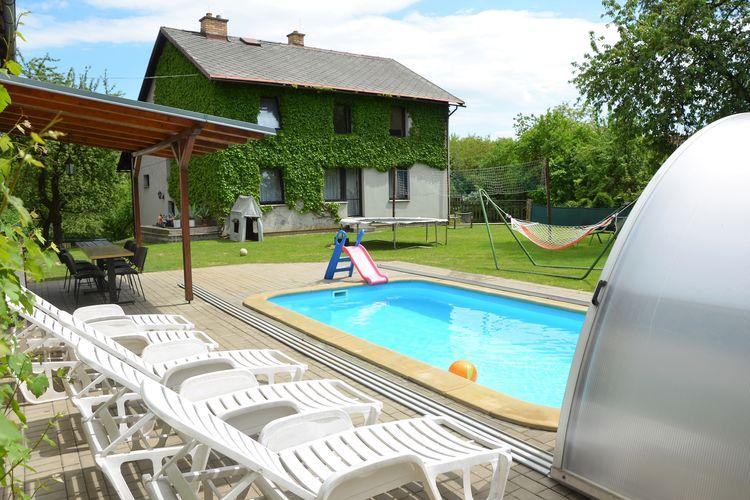 Vakantiehuizen Tsjechie | Praagomgeving | Vakantiehuis te huur in Liban met zwembad  met wifi 13 personen
