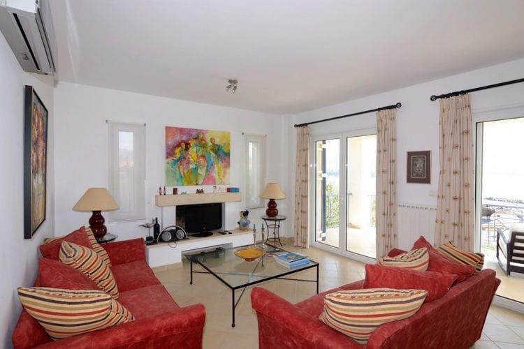Ref: GR-24006-10 3 Bedrooms Price