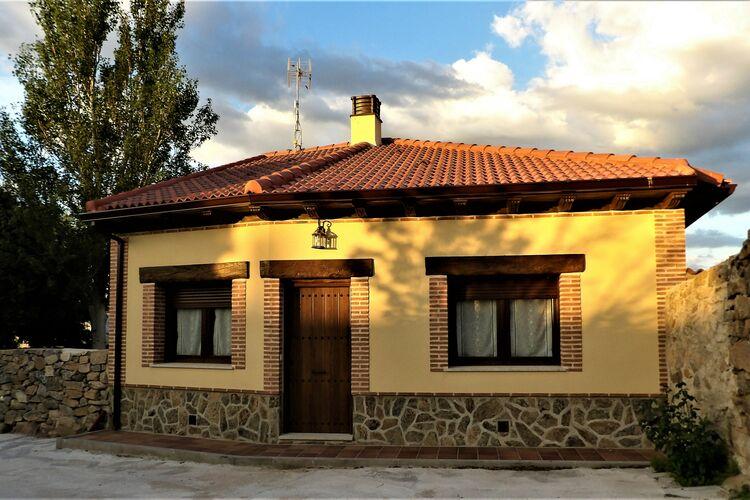 Spanje | Castilla-Y-Leon | Vakantiehuis te huur in Avila met zwembad  met wifi 6 personen