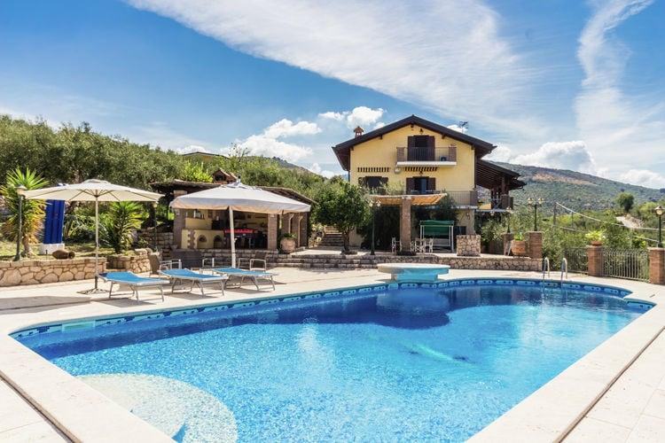 Villa met zwembad met wifi  LazioVilla Casetta