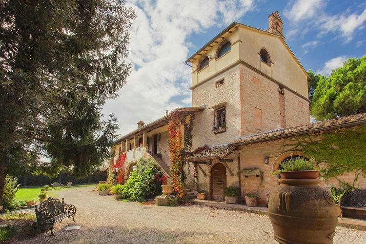 Boerderij Italië, Umbrie, Marsciano Boerderij IT-00026-105
