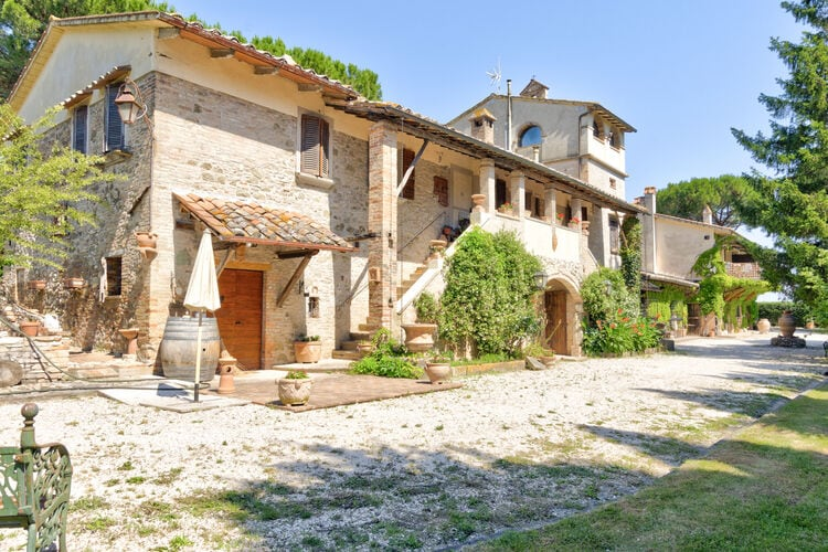 Vakantiehuizen Italie | Umbrie | Boerderij te huur in Marsciano met zwembad  met wifi 4 personen