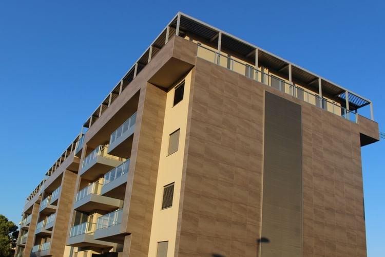 Matera Vakantiewoningen te huur Ruim modern appartement met parkeerplaats en wifi op loofafstand van het centrum