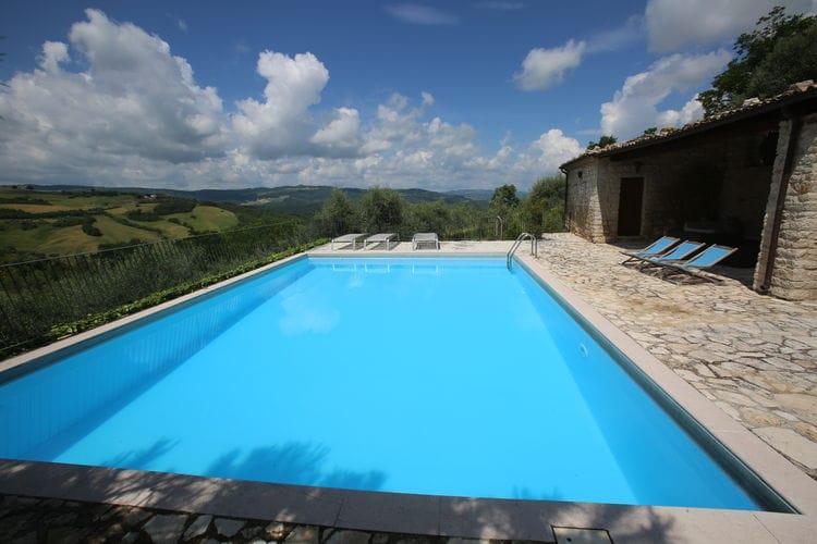 Woning Italie | Abruzzo | Vakantiehuis te huur in Ripabottoni met zwembad  met wifi 8 personen