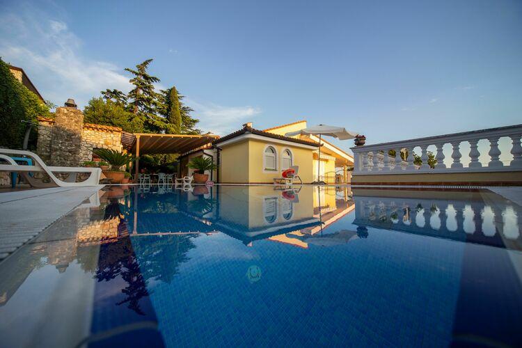 Kroatie | Kvarner | Villa te huur in Kostrena met zwembad  met wifi 10 personen