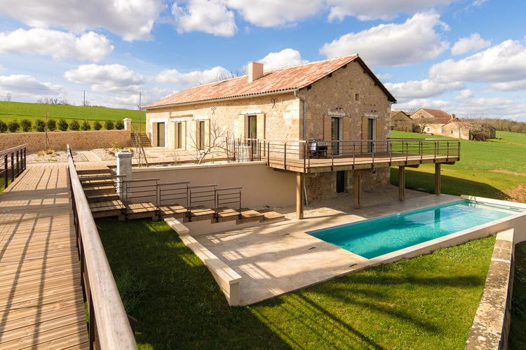 Villa met zwembad met wifi  FouleixFouleix