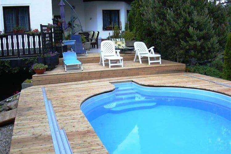 Tsjechie Vakantiewoningen te huur Comfortabel appartement met een zwembad en met de serre