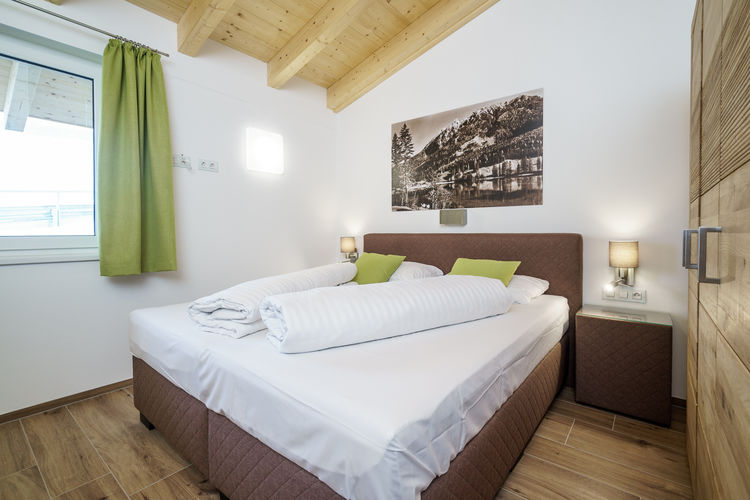 Ref: AT-5453-07 4 Bedrooms Price