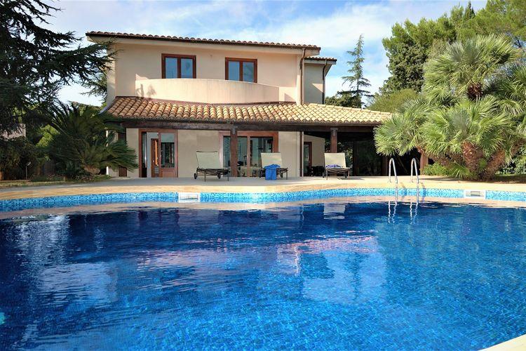 Vakantiewoning met zwembad met wifi  Valderice  Villa Spaziosa