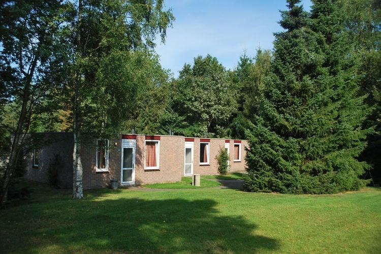 Vledder Vakantiewoningen te huur Gelijkvloerse bungalow met open haard, gelegen op vakantiepark met visvijver