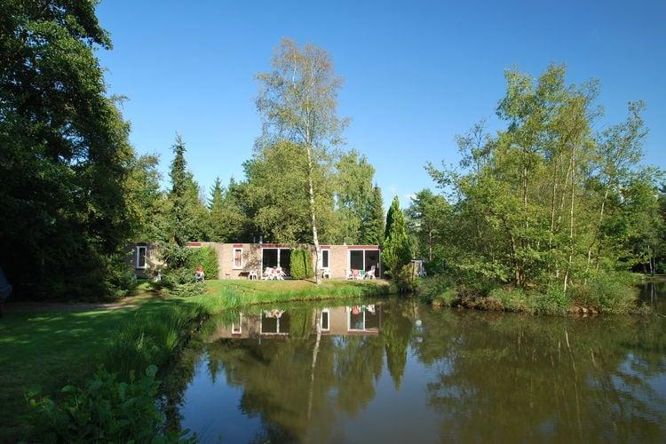 Vledder Vakantiewoningen te huur Gelijkvloerse bungalow direct aan visvijver op vakantiepark in mooie omgeving