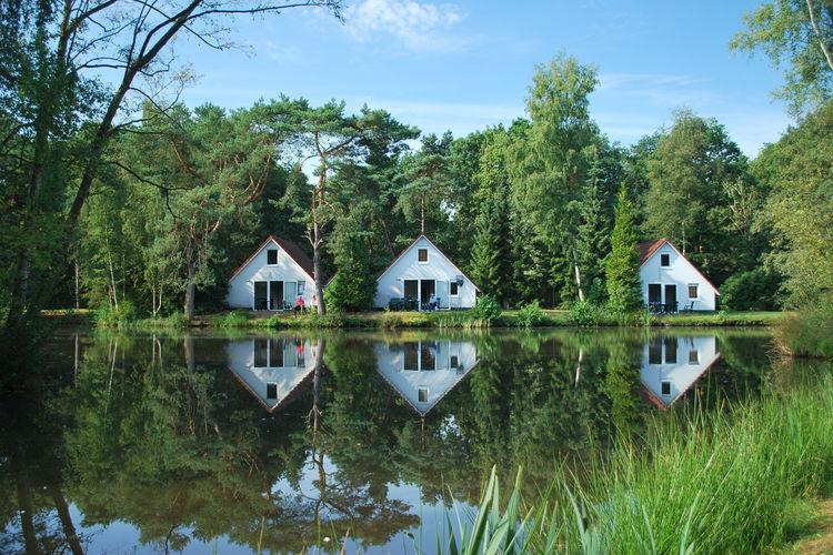 Vakantiewoning  met wifi  Vledder  Direct aan visvijver gelegen, vrijstaand huis op leuk vakantiepark