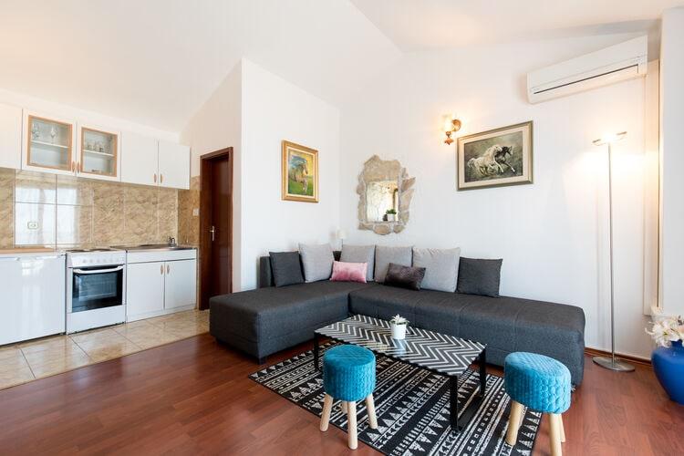 Vakantiehuizen Kroatie | Dalmatie | Vakantiehuis te huur in Podstrana   met wifi 8 personen