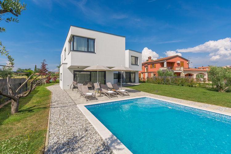 Villa met zwembad met wifi  Novigrad  Luxe villa met zwembad, sauna en jacuzzi, op 2 km van Novigrad en het strand