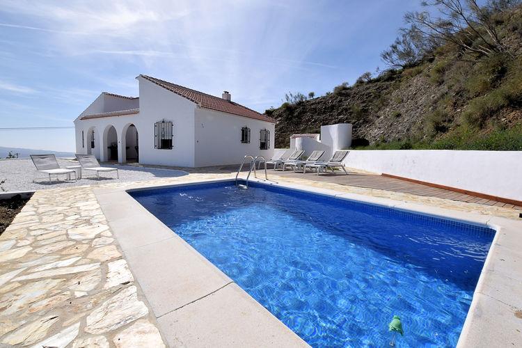 Vakantiewoning huren in Cutar - met zwembad nabij Strand met wifi met zwembad voor 6 personen  Dit vakantiehuis heeft de hele dag..