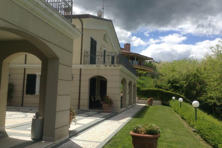 met je hond naar dit vakantiehuis in Montescudo
