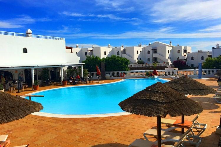 lnzt Vakantiewoningen te huur Comfortabele duplex in Costa Teguise, vlakbij het strand en restaurants