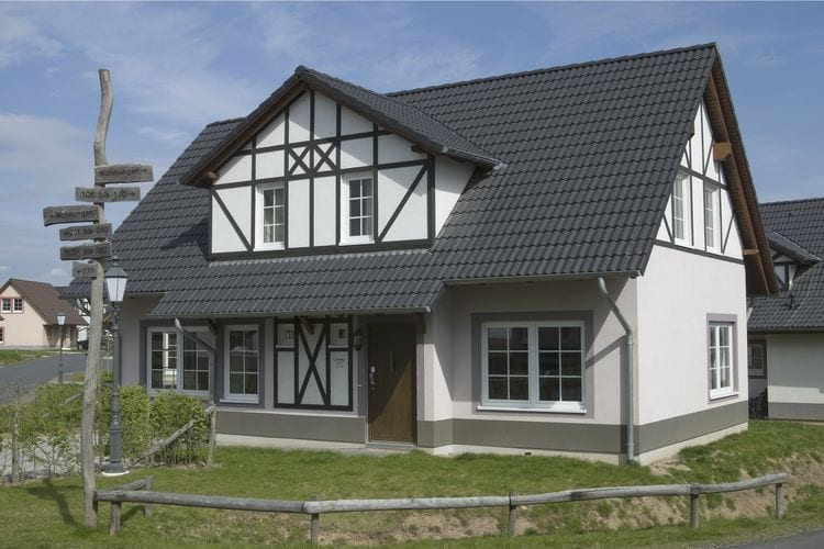 Moezel Villas te huur Luxe, gerestylde, vrijstaande villa met vier badkamers en thema-kinderkamer