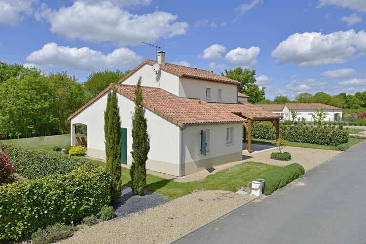 Vakantiehuizen Frankrijk | Cote-Atlantique | Villa te huur in Vasles   met wifi 6 personen