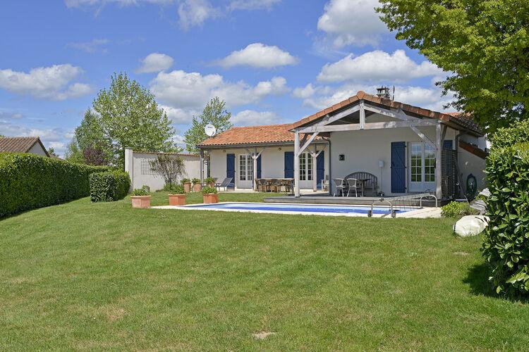 Vakantiehuizen Frankrijk | Cote-Atlantique | Villa te huur in Vasles met zwembad  met wifi 4 personen