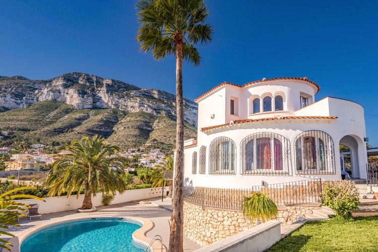 Denia Vakantiewoningen te huur Prachtige design Villa met Fantastisch zee zicht zwembad en terrassen en studio