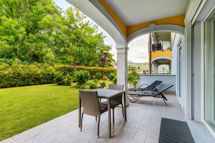 Vakantiehuizen Italie | Italiaanse-Meren | Appartement te huur in Lavena-Ponte-Tresa met zwembad  met wifi 4 personen
